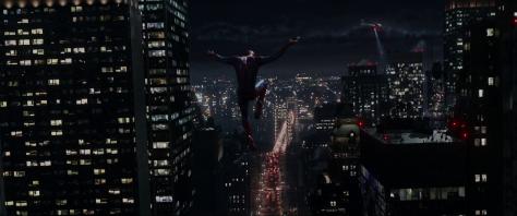 Spiderman entre edificios