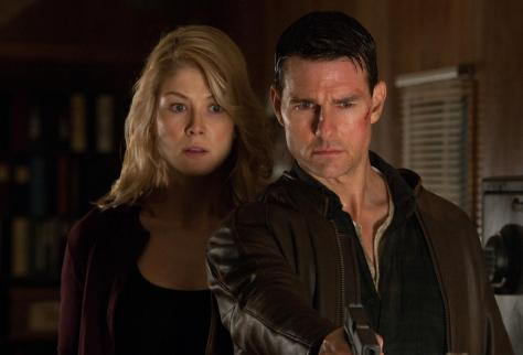 Tom Cruise y Rosemund Pike en Jack reacher