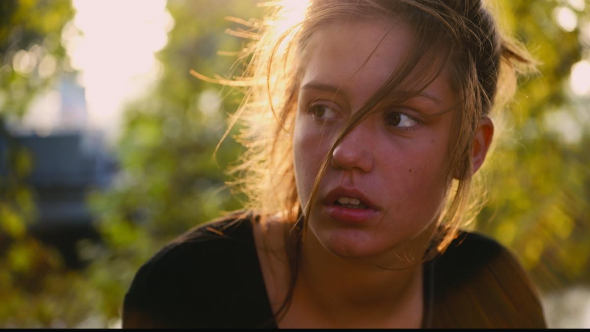 La vida de Adele: El Azul es un color cálido. Capítulos 1 y 2. La adolescencia en 180 minutos.