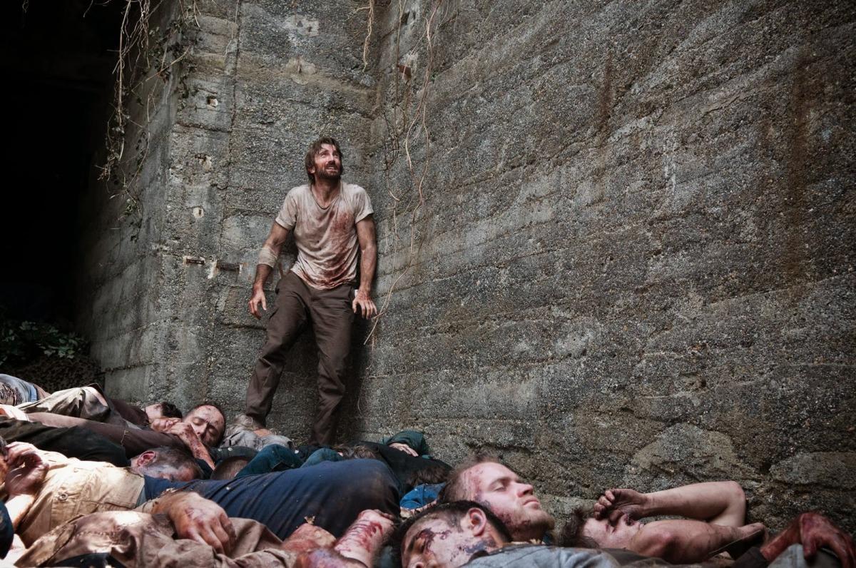 Open Grave: La fosa de los mil cadáveres