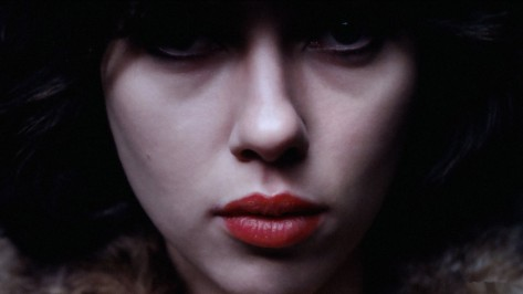 under-the-skin-plano-scarlett-johansson