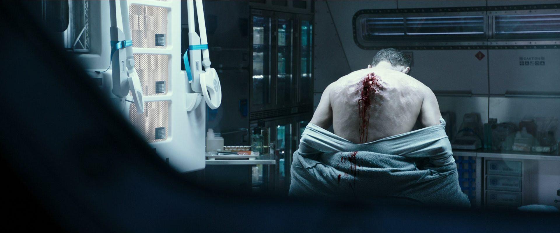 Alien-Covenant-espalda